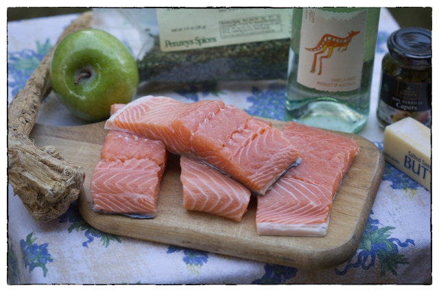 Fresh salmon with apple, capers, lemon, and white wine
